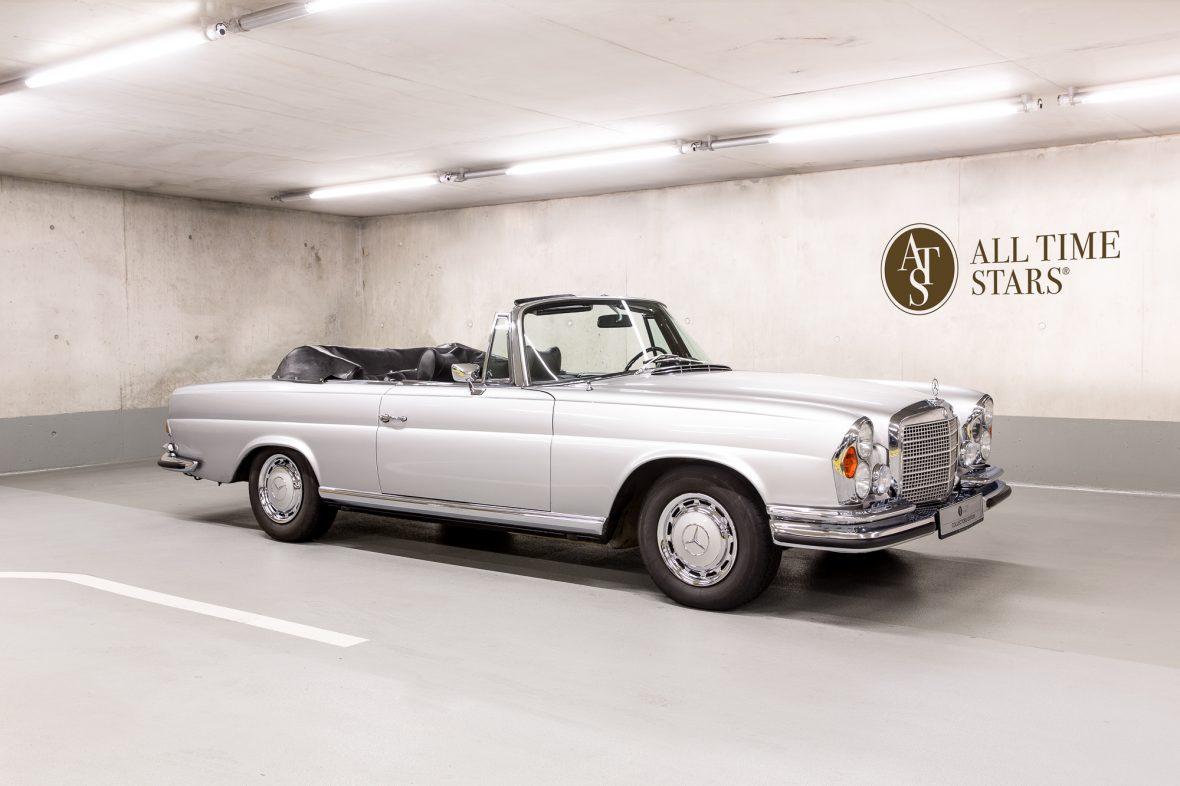 Mercedes-Benz W 111 280 SE 3,5 Cabriolet 1