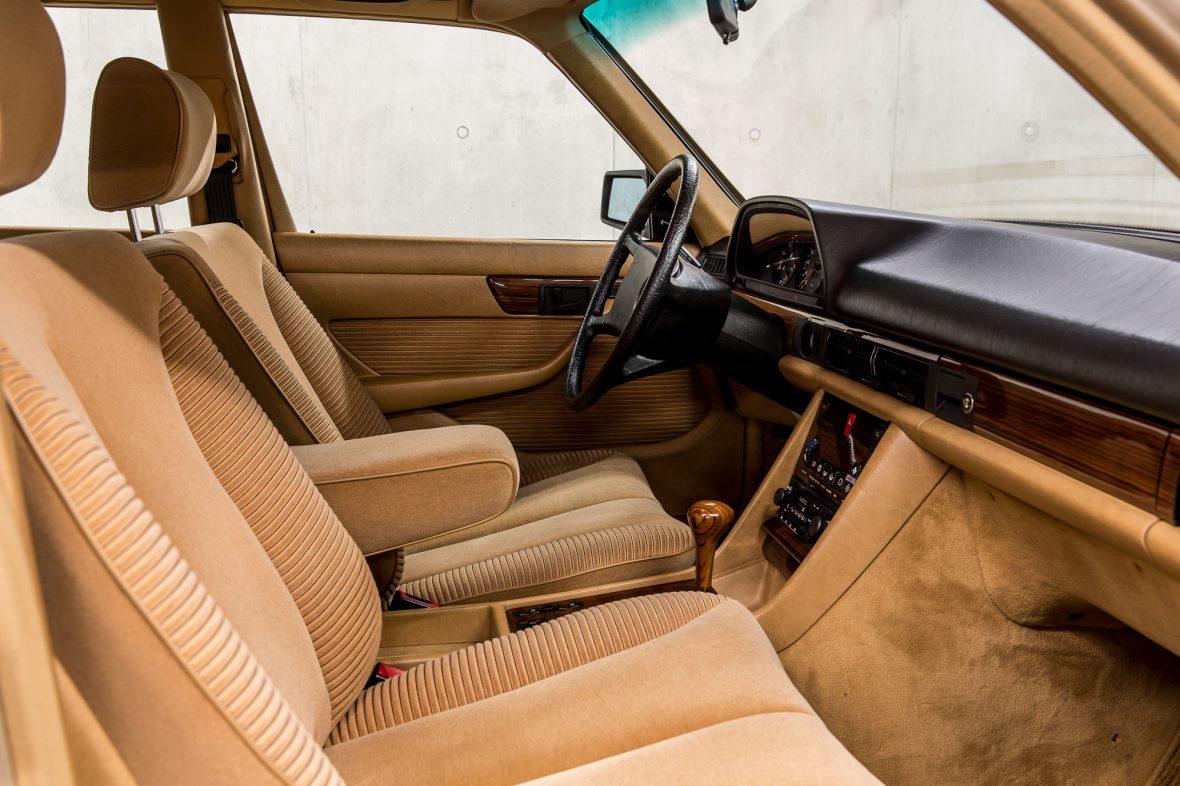 Mercedes-Benz W 126 280 SE 12
