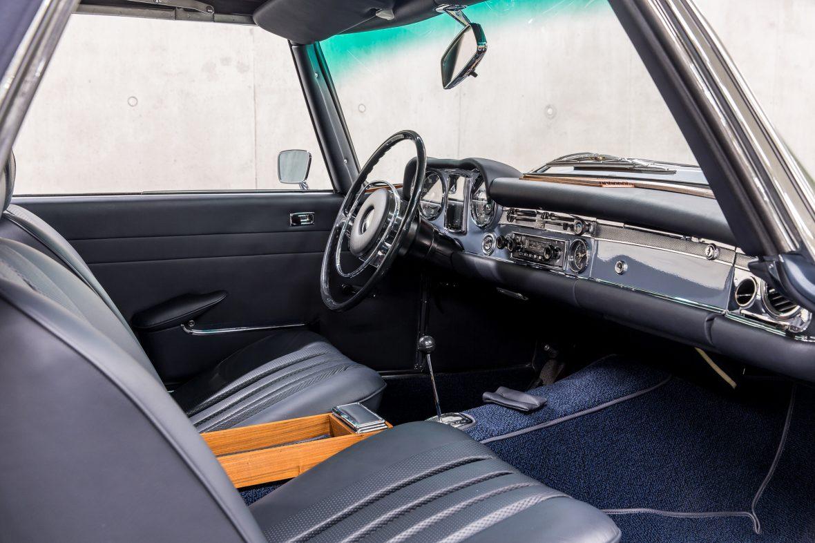 Mercedes-Benz W 113 280 SL 13