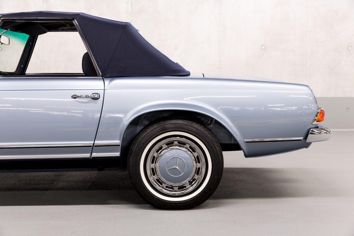 Mercedes-Benz W 113 280 SL 6