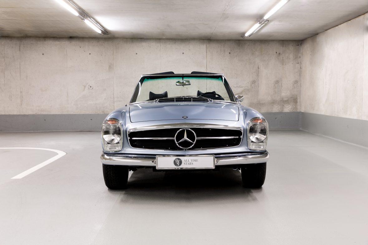 Mercedes-Benz W 113 280 SL 3