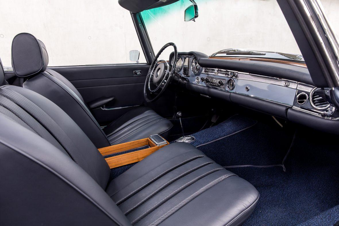 Mercedes-Benz W 113 280 SL 11