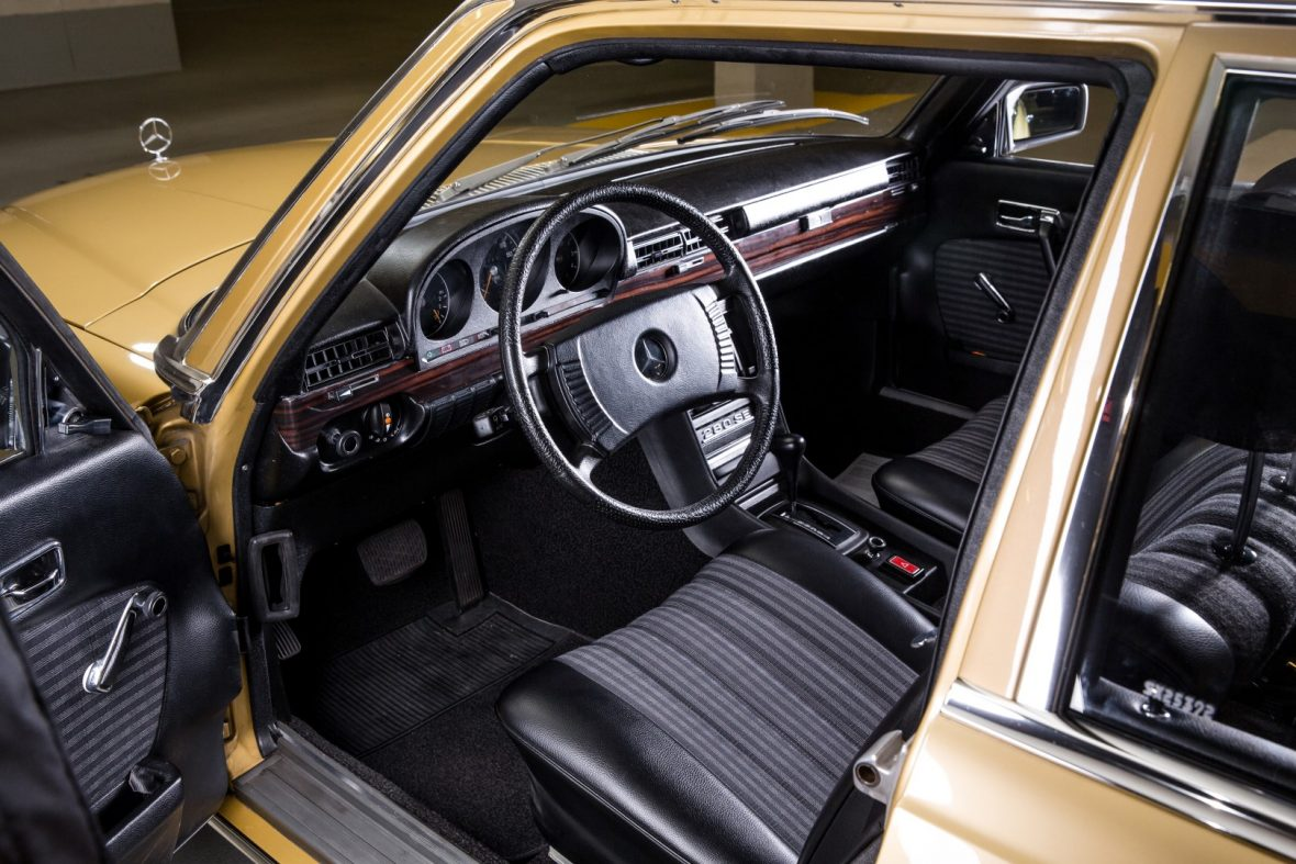 Mercedes-Benz  W 116 280 SE 2