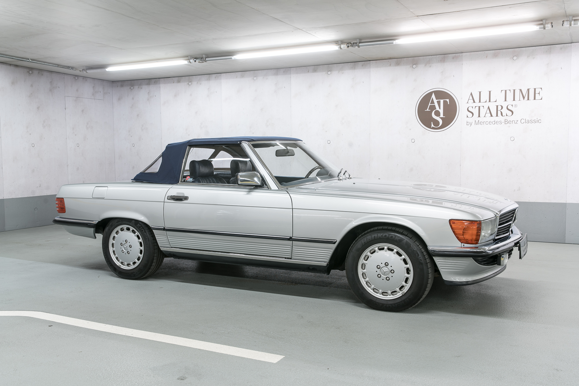 all time stars mercedes benz r107 300 sl. Black Bedroom Furniture Sets. Home Design Ideas