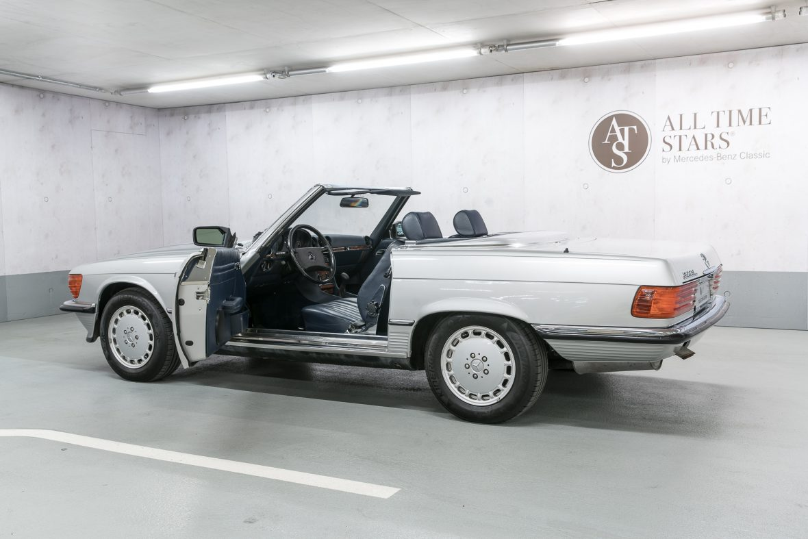 Mercedes-Benz R 107 300 SL 7