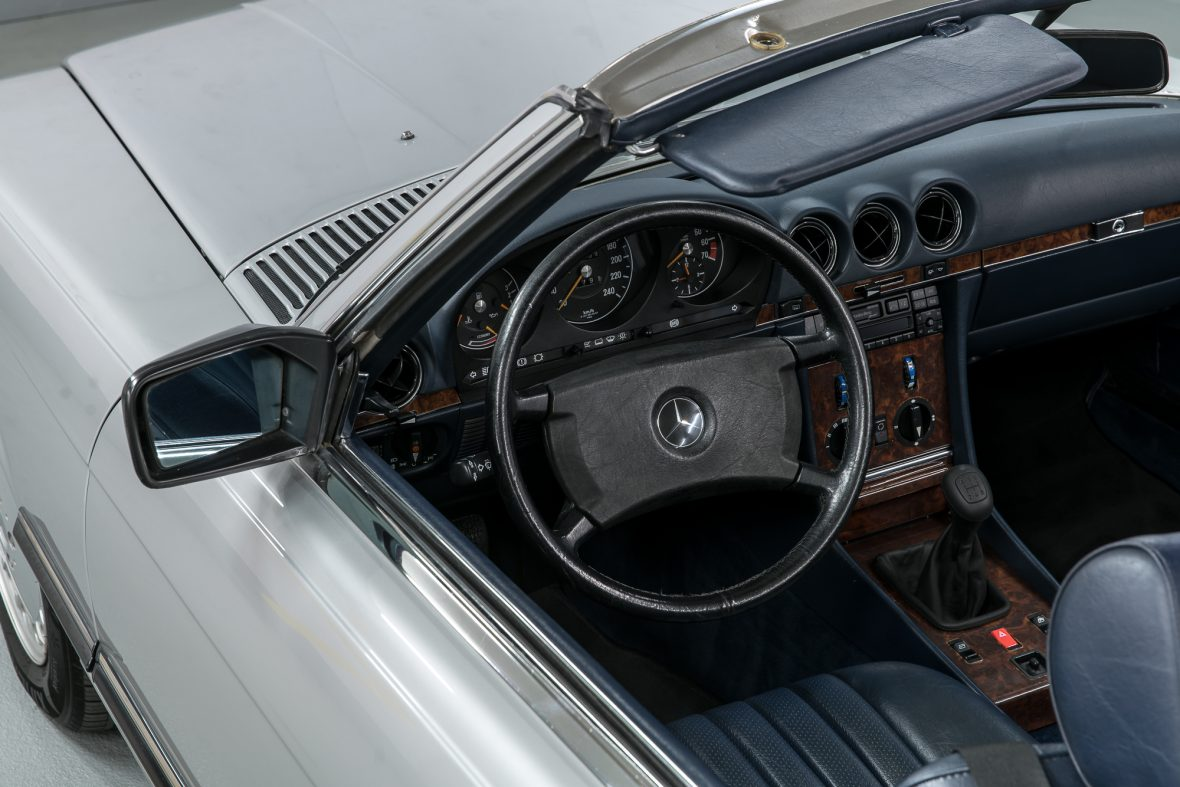 Mercedes-Benz R 107 300 SL 15