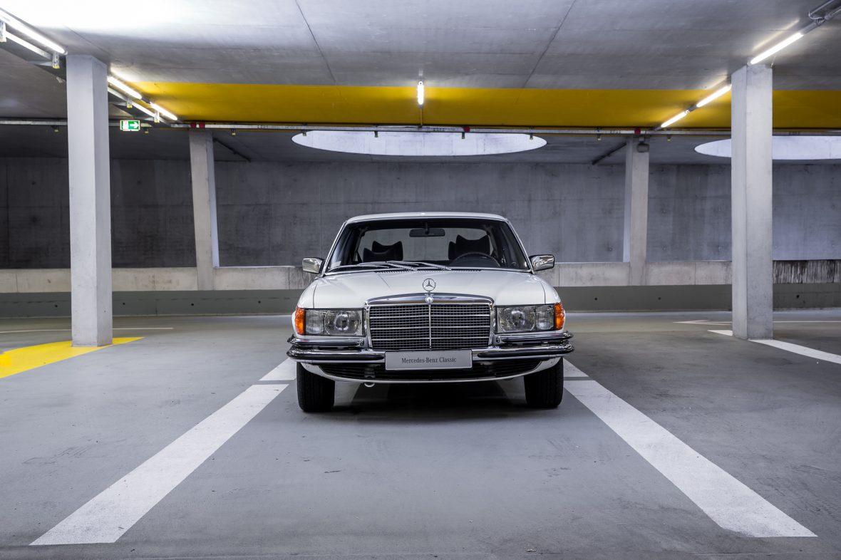 Mercedes- Benz W 116 350 SEL 1