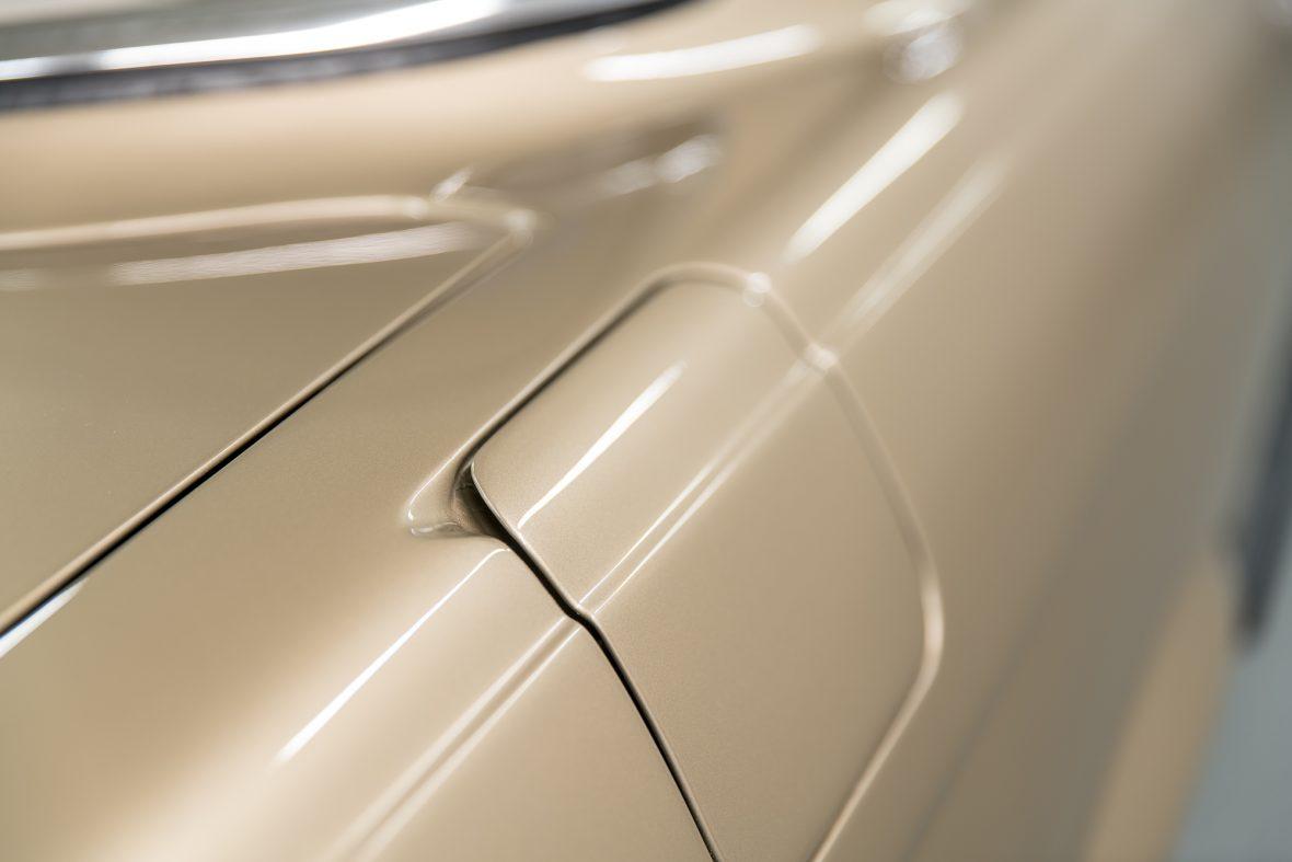 Mercedes-Benz 350 SLC (C 107) 27