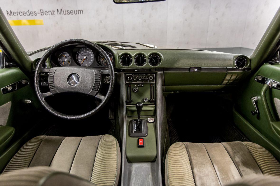 Mercedes-Benz 350 SLC (C 107) 28