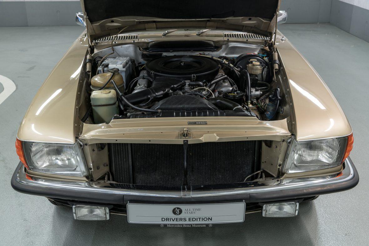 Mercedes-Benz 350 SLC (C 107) 8