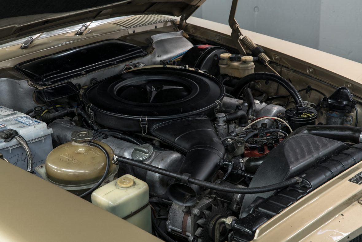 Mercedes-Benz 350 SLC (C 107) 11