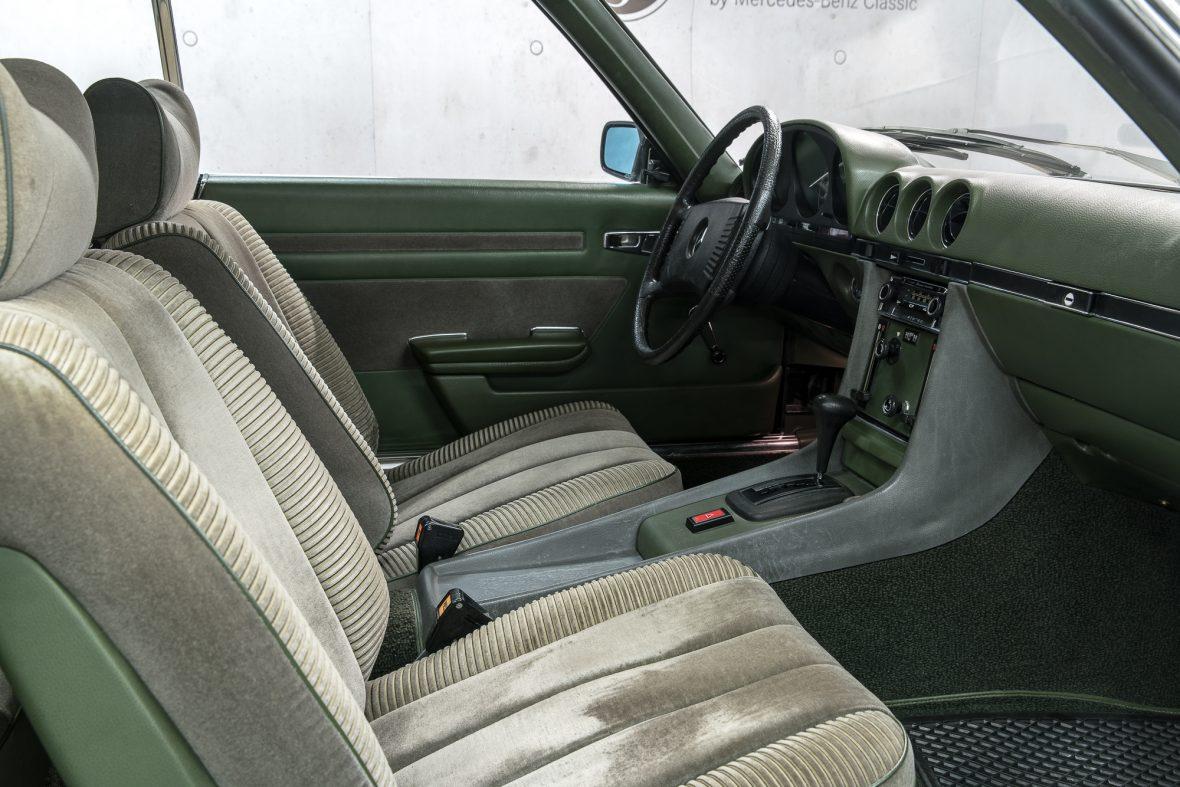 Mercedes-Benz 350 SLC (C 107) 12