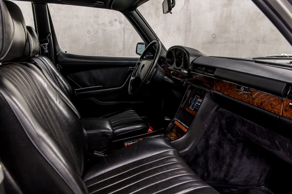 Mercedes-Benz W 116 450 SEL 6.9 17