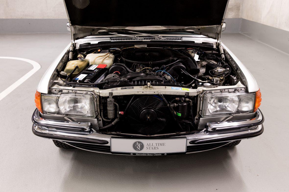 Mercedes-Benz W 116 450 SEL 6.9 10
