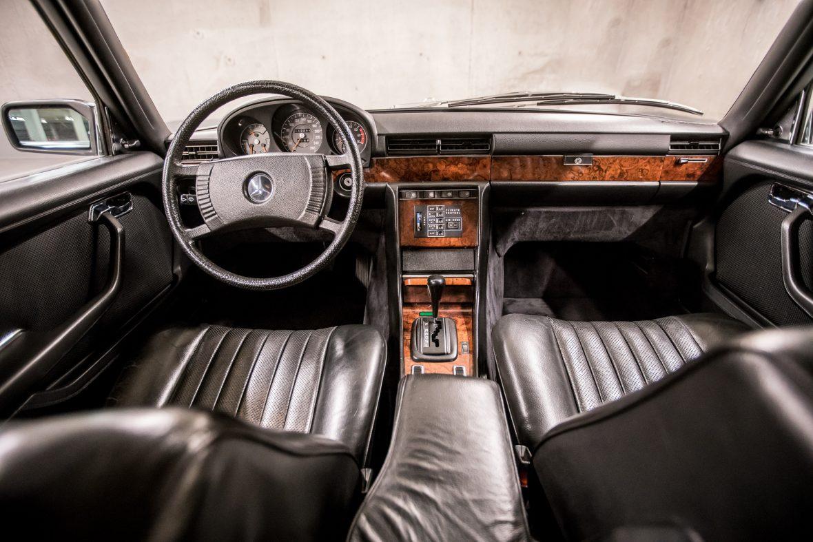 Mercedes-Benz W 116 450 SEL 6.9 13