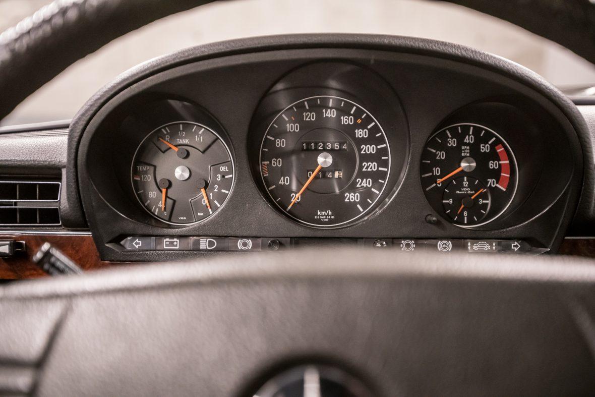 Mercedes-Benz W 116 450 SEL 6.9 20