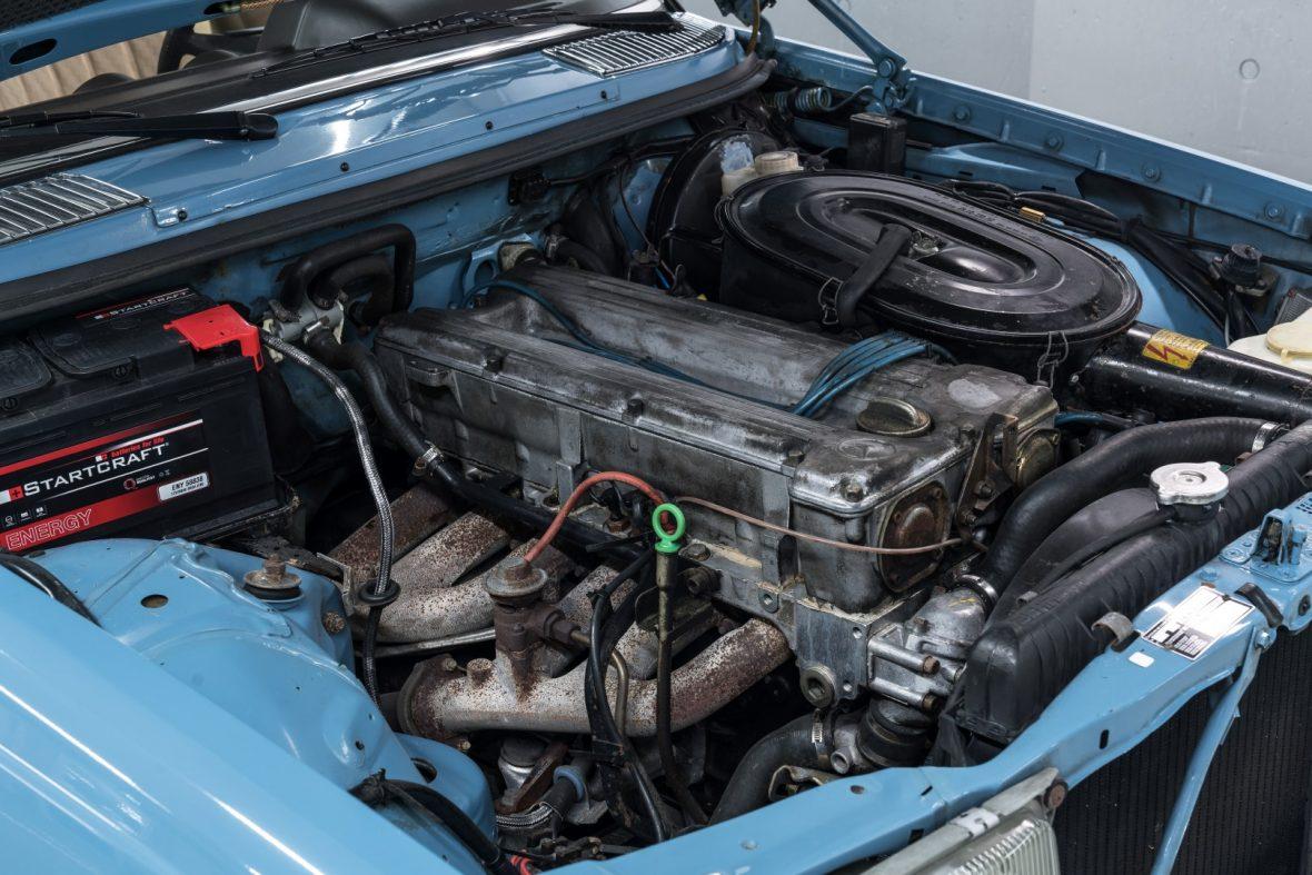Mercedes-Benz C 123 280 CE 10