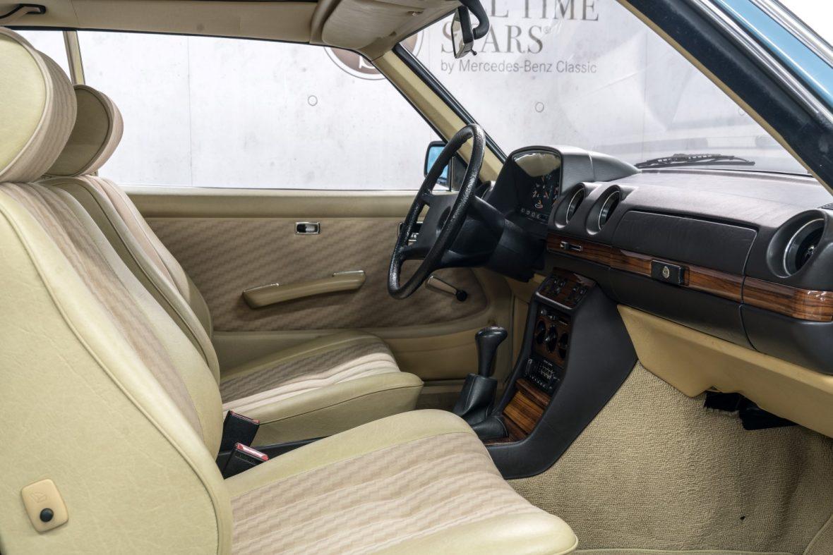 Mercedes-Benz C 123 280 CE 14