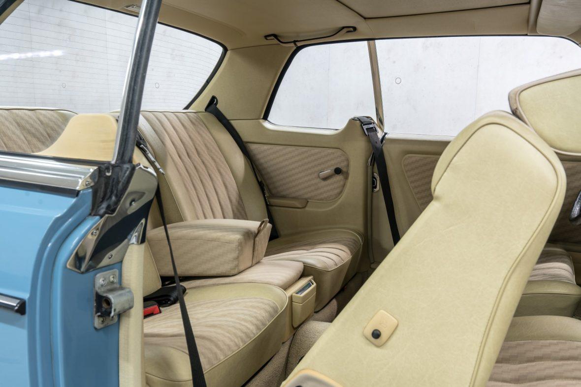 Mercedes-Benz C 123 280 CE 15