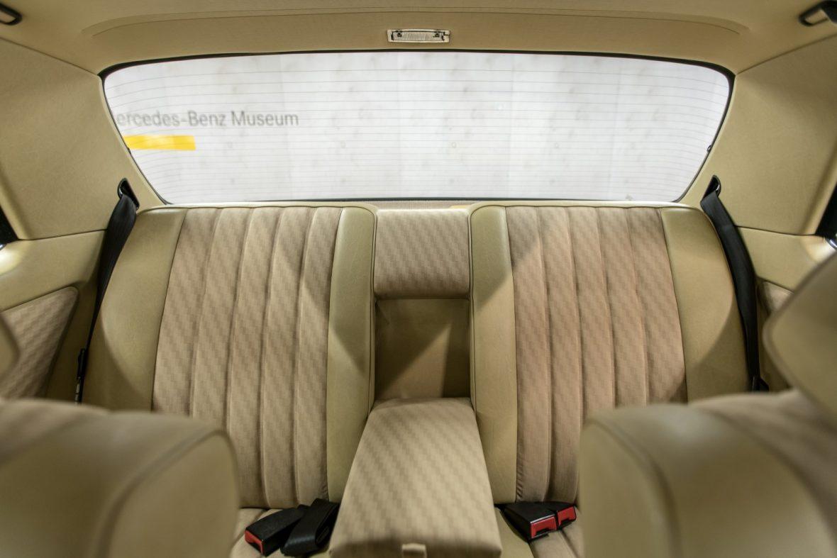 Mercedes-Benz C 123 280 CE 16