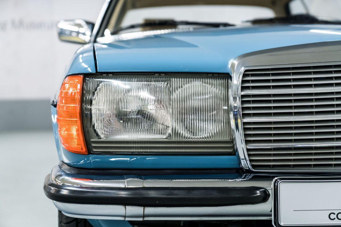 Mercedes-Benz C 123 280 CE 18