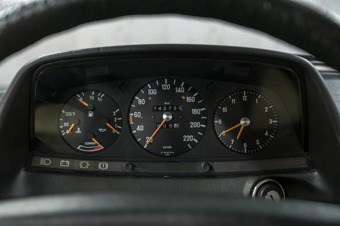 Mercedes-Benz C 123 280 CE 21