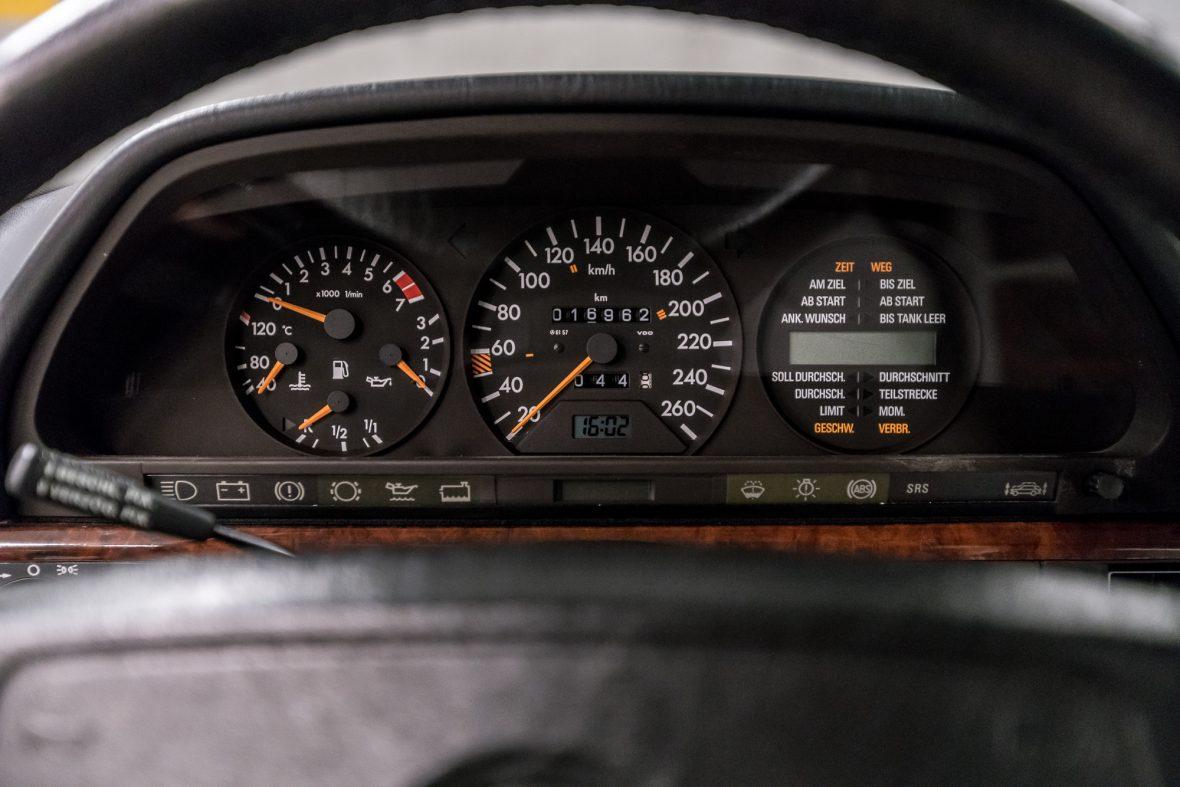 Mercedes-Benz W 126 560 SEL 9