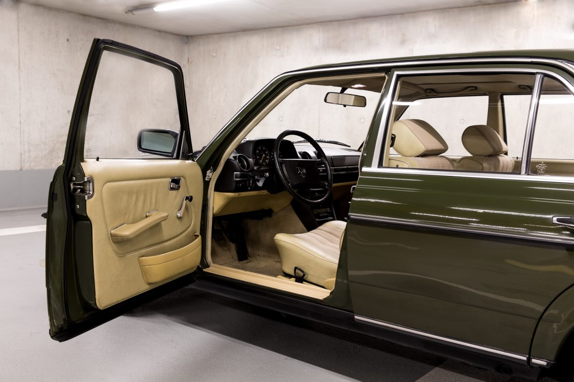 Mercedes-Benz W 123  200 D 5