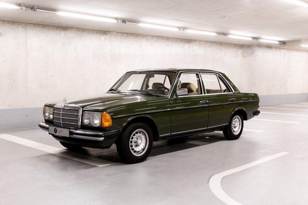 Mercedes-Benz W 123  200 D