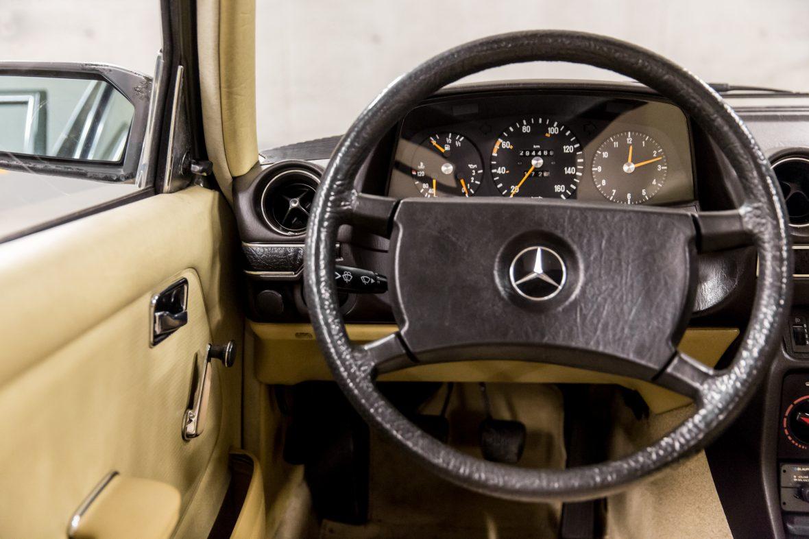 Mercedes-Benz W 123  200 D 15