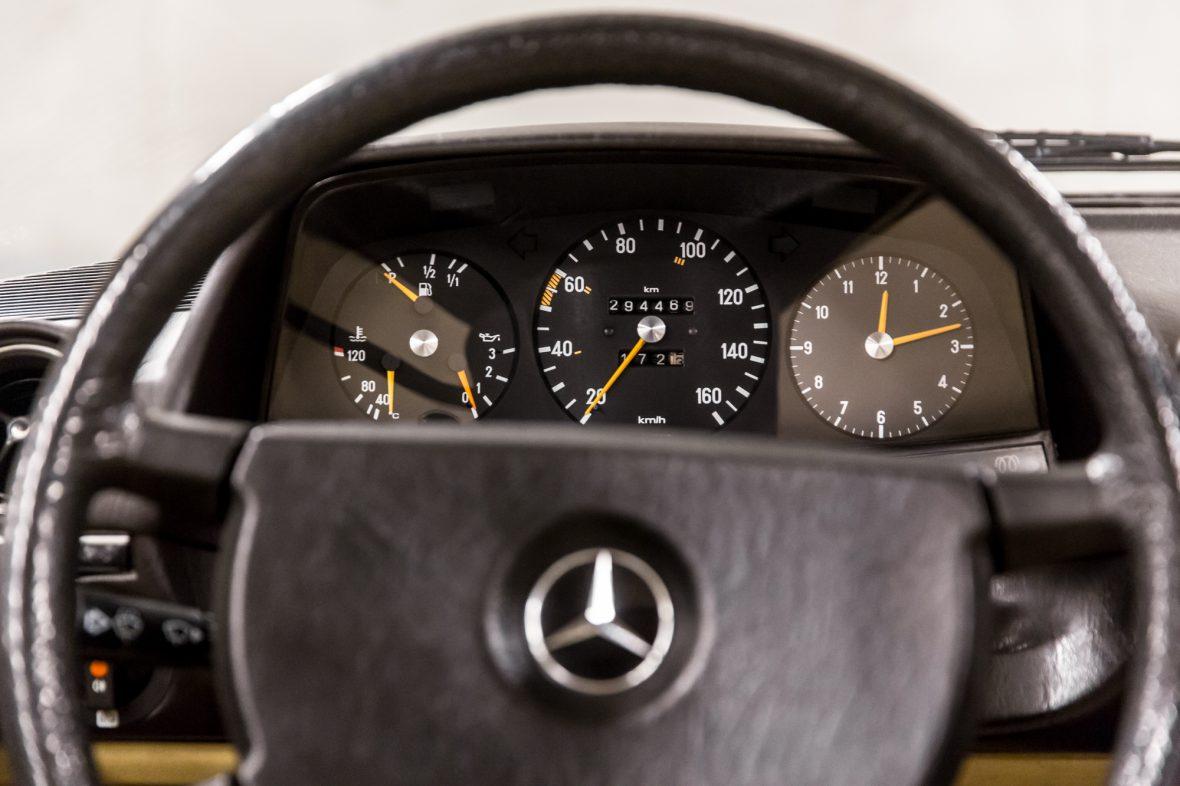 Mercedes-Benz W 123  200 D 14