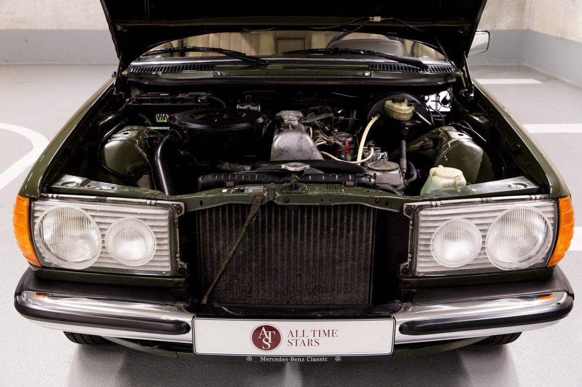 Mercedes-Benz W 123  200 D 10