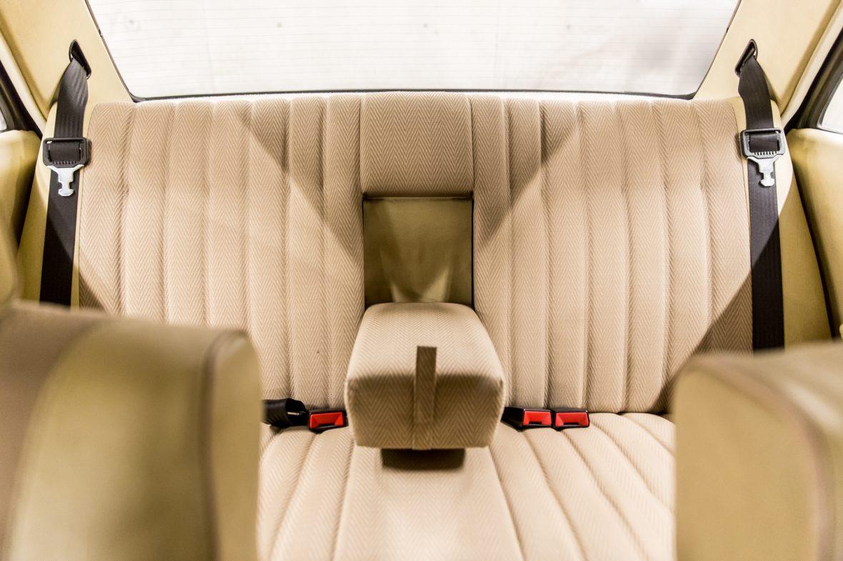 Mercedes-Benz W 123  200 D 13