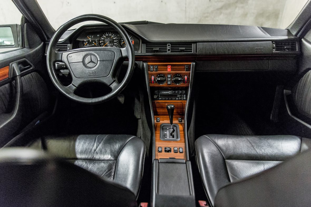 Mercedes-Benz C 124 220 CE 11