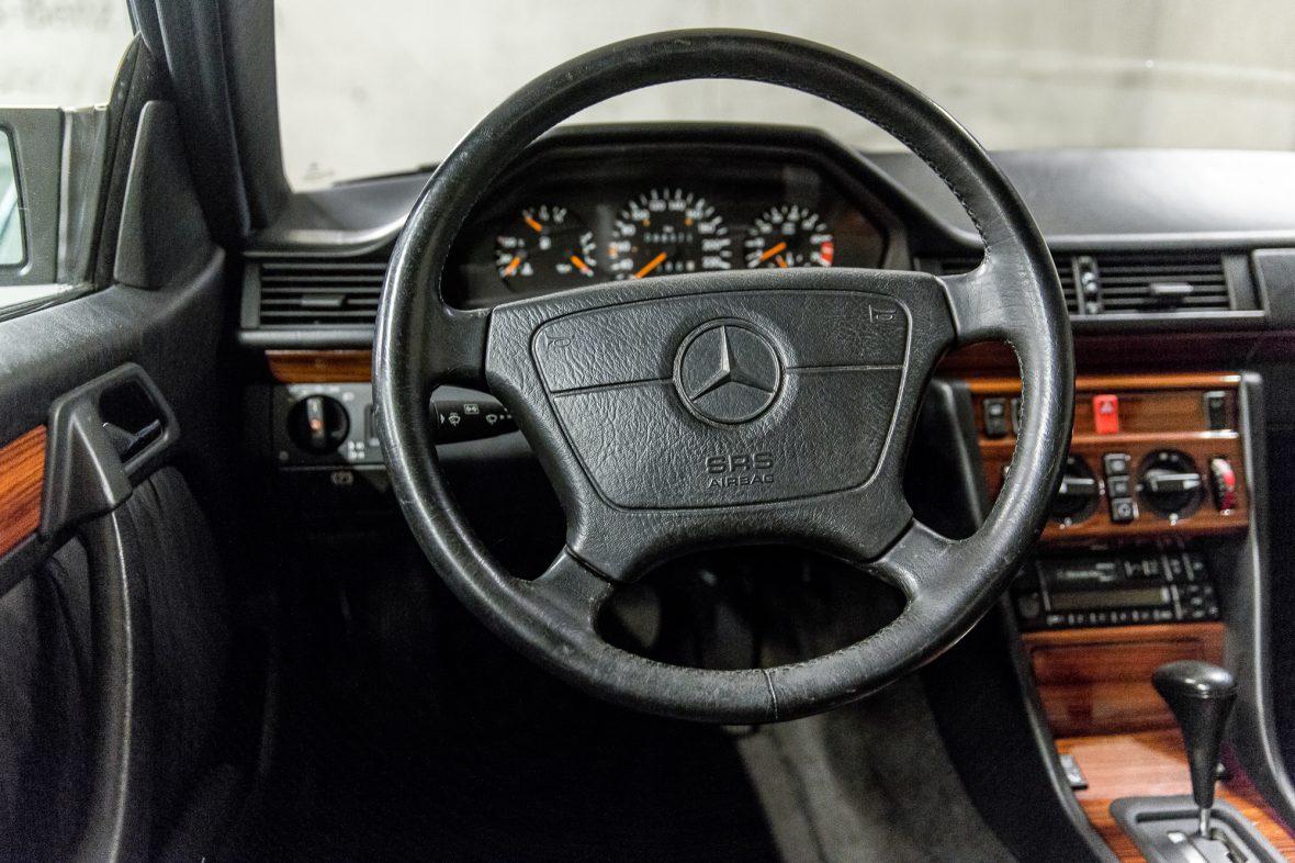 Mercedes-Benz C 124 220 CE 13