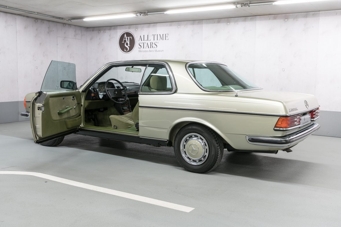 Mercedes-Benz 230 CE (C 123) 4