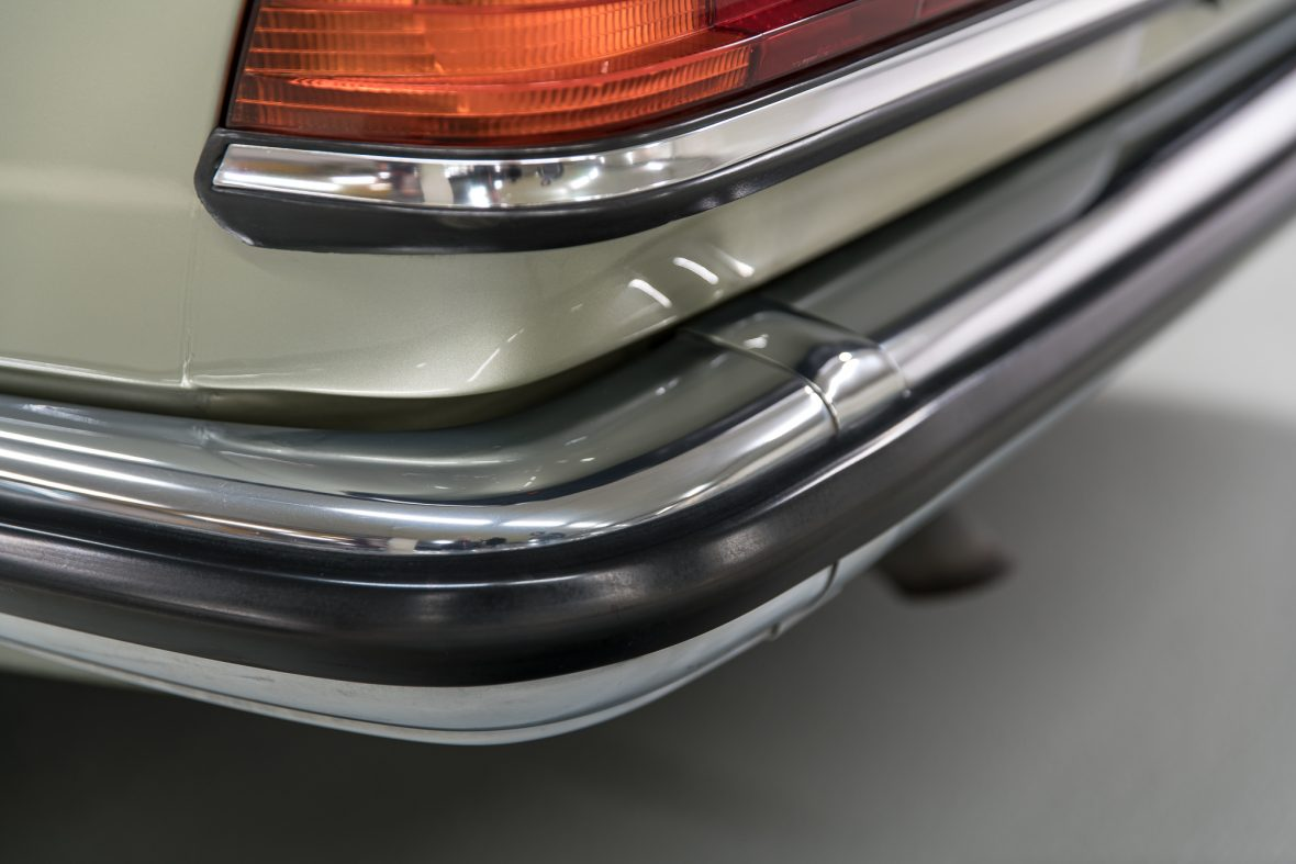 Mercedes-Benz 230 CE (C 123) 15