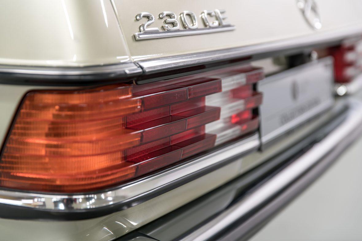 Mercedes-Benz 230 CE (C 123) 16