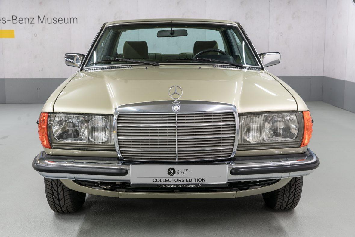 Mercedes-Benz 230 CE (C 123) 8