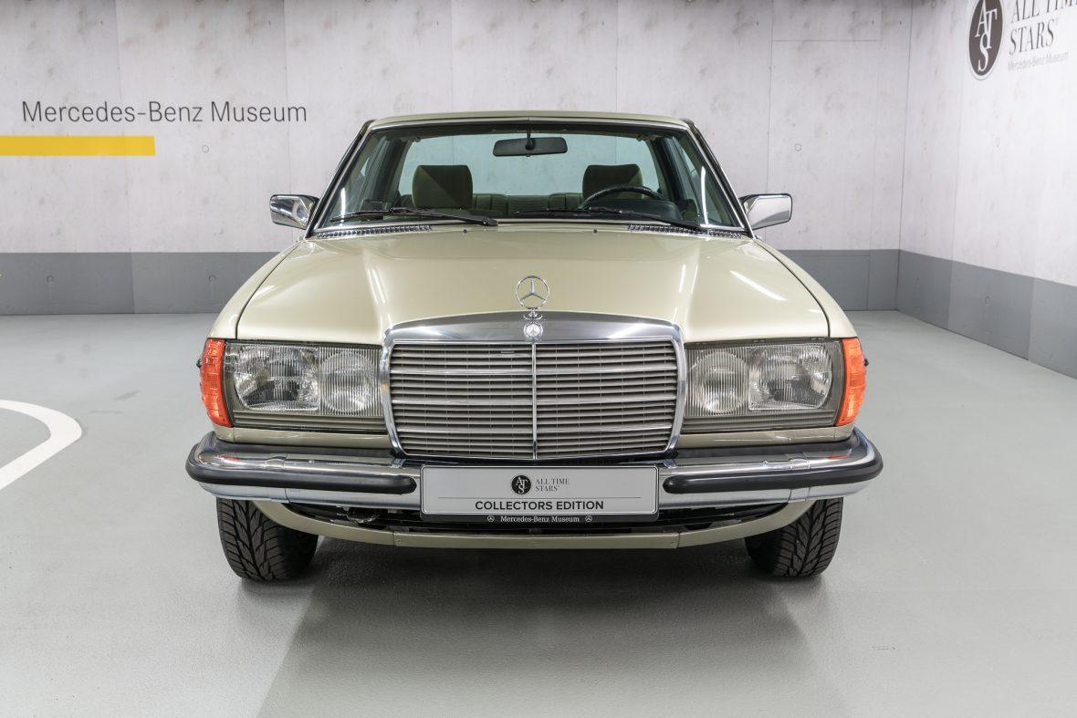 Mercedes-Benz 230 CE (C 123) 9