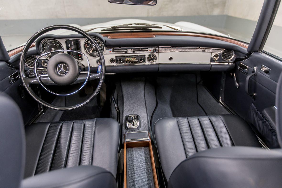 Mercedes-Benz 280 SL (W 113) 8