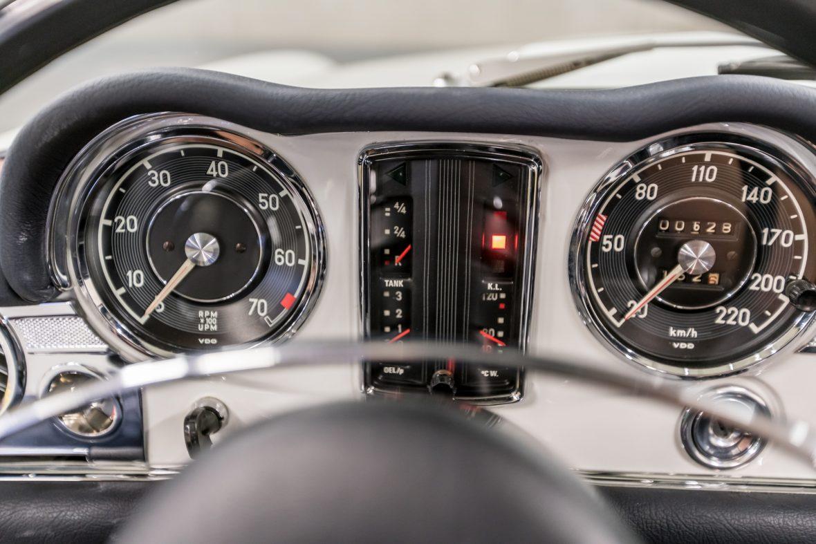 Mercedes-Benz 280 SL (W 113) 14
