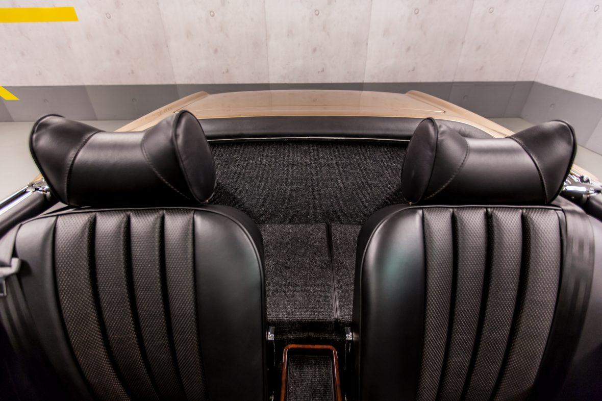 Mercedes-Benz W113 280 SL 12