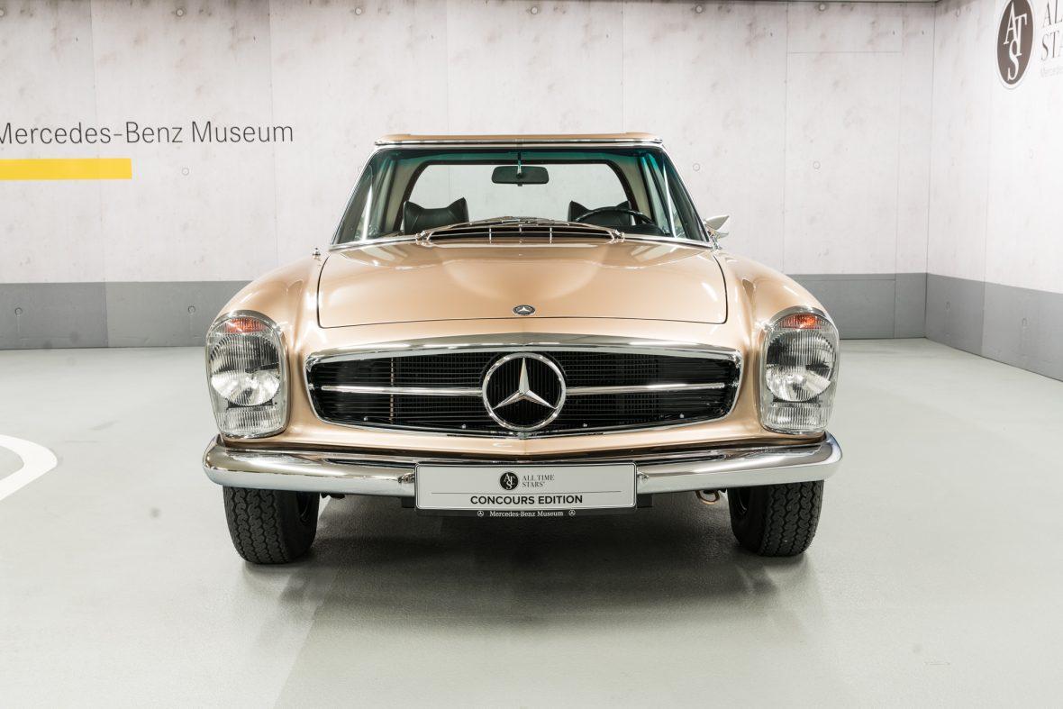 Mercedes-Benz W113 280 SL 3