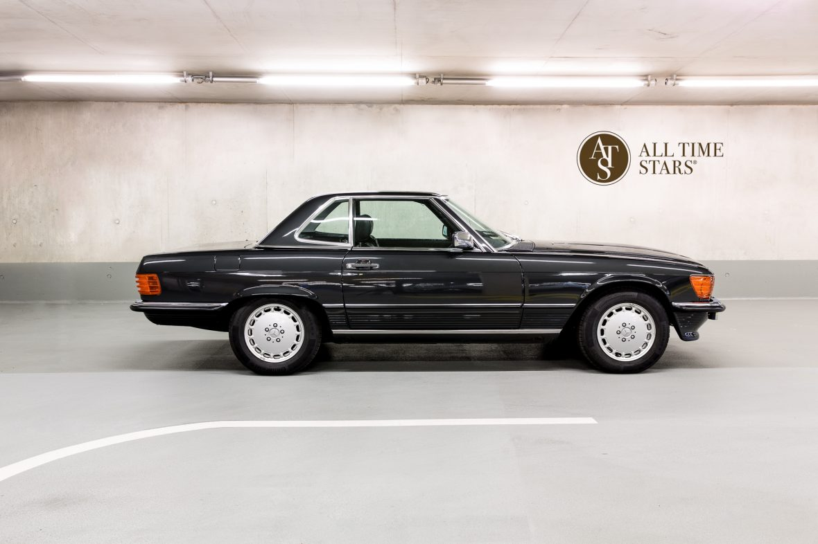 Mercedes-Benz R 107  300 SL 5