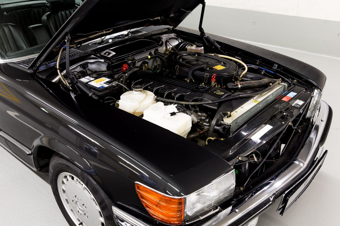 Mercedes-Benz R 107  300 SL 9