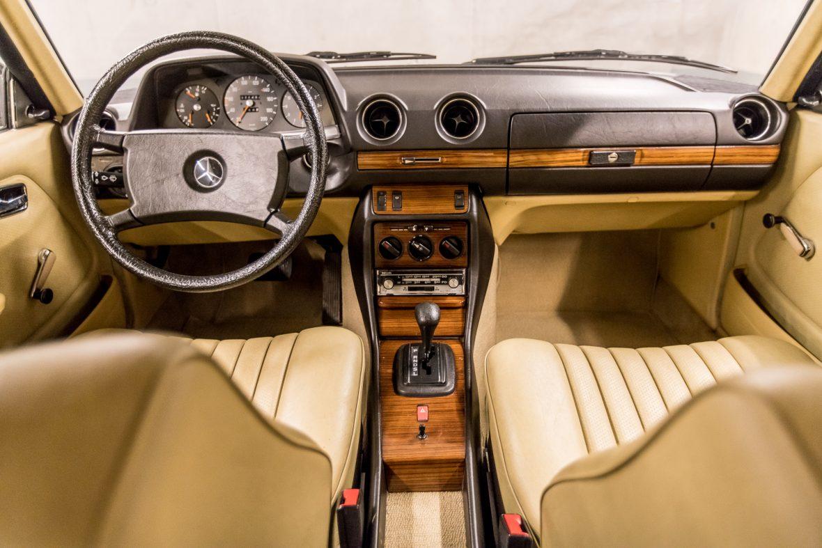 Mercedes-Benz C 123 230 CE 13
