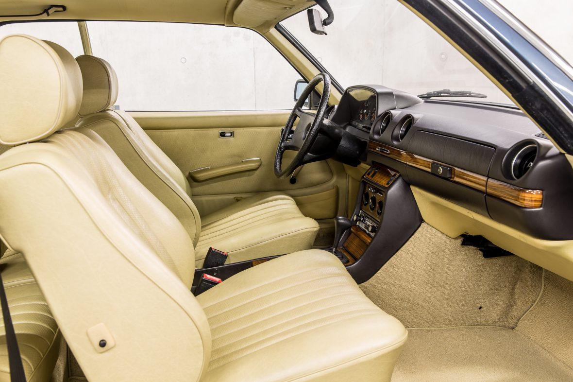 Mercedes-Benz C 123 230 CE 17