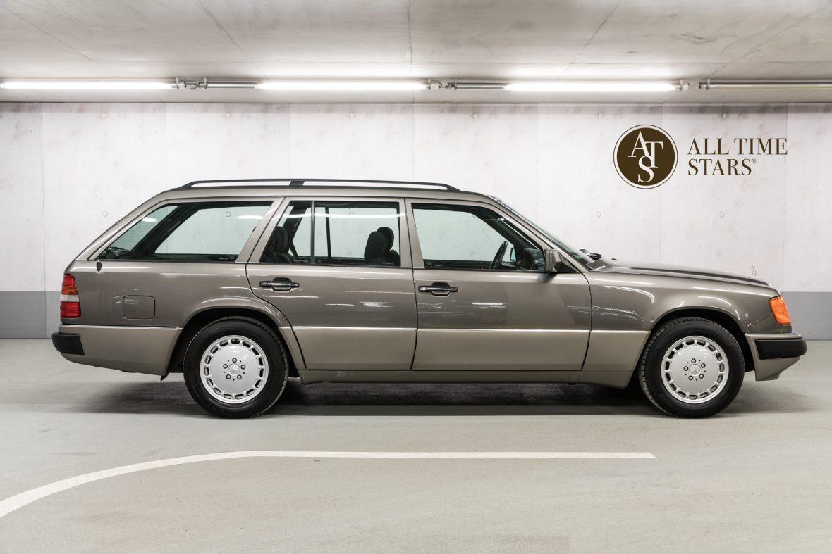Mercedes-Benz S 124 230 TE 4