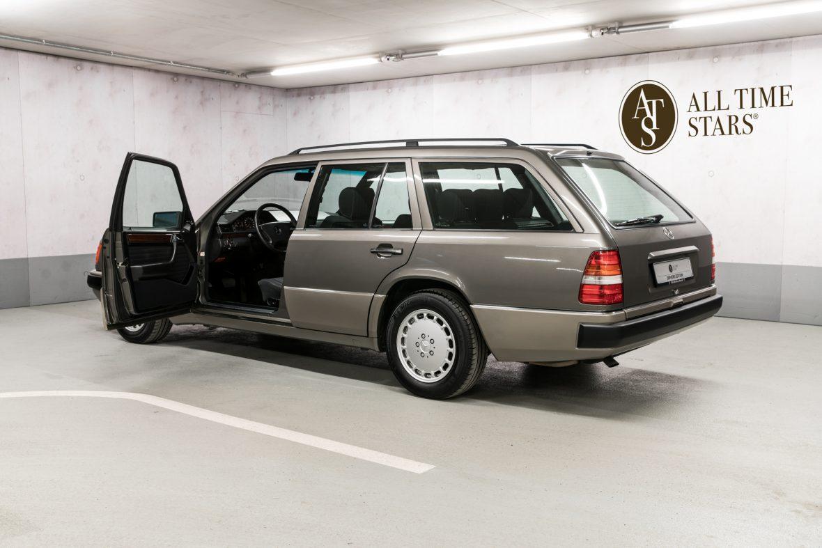 Mercedes-Benz S 124 230 TE 3